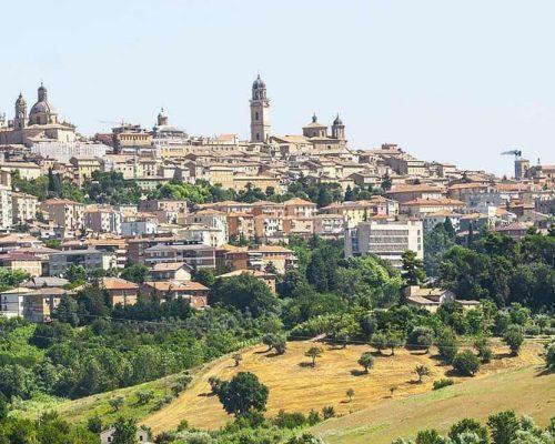 Macerata-©-Vaghis-viaggi-turismo-Italia-Tutti-i-diritti-riservati-e1550893654976-1